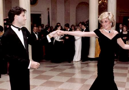 Diana, Princess of Wales dancing with John Travolta at a White House dinner on 9 November 1985